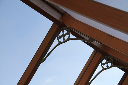 Roof spandrels