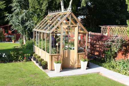An Alton victorian greenhouse