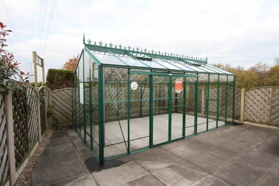 Redoubtable Green Greenhouse